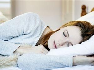 Nằm ngủ nghiêng bên nào để khỏe hơn?
