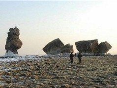 Tàn tích cung điện Tần Thủy Hoàng phát lộ bên bờ biển
