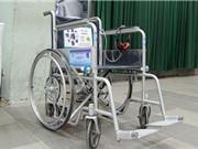 Sinh viên sáng chế xe lăn thông minh, robot dùng smartphone