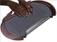 Nga phát minh sách giáo khoa điện tử cho người khiếm thị