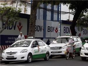 Taxi truyền thống cạnh tranh Grab, Uber bằng ứng dụng gọi xe