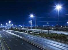 Thí điểm dùng năng lượng mặt trời chiếu sáng giao thông