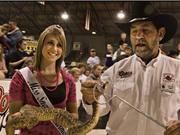 Lễ hội săn rắn độc lớn nhất thế giới gây tranh cãi