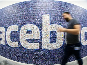 Lướt Facebook cũng gây  biến đổi khí hậu