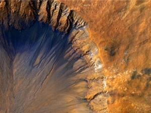 Mưa thiên thạch khổng lồ ươm mầm sự sống trên sao Hỏa