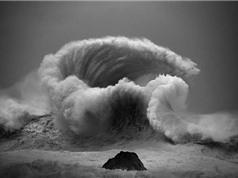 """Chùm ảnh """"cơn giận dữ"""" đáng sợ, nhưng tuyệt đẹp của sóng biển"""