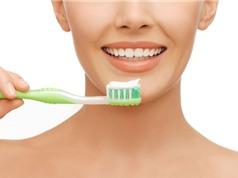 Sau khi thức giấc nên đánh răng hay uống nước trước?