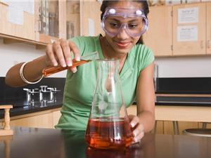Tại sao con gái ít quan tâm đến STEM?