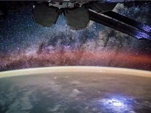"""Vũ trụ """"nở"""" nhanh hơn chúng ta nghĩ"""