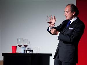 Bí ẩn ly ma thuật làm thay đổi hương vị rượu