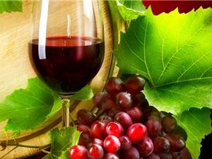 """Rượu vang đỏ có giúp """"cải lão hoàn đồng""""?"""