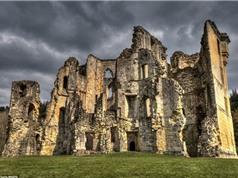 Khám phá những lâu đài bỏ hoang đẹp như cổ tích
