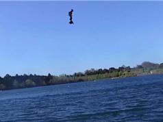 Clip: Bay như chim bằng ván Flyboard Air