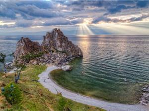10 hồ nước ngọt sâu nhất thế giới 2016