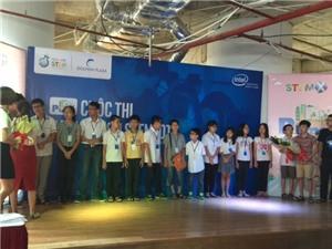Hackathon STEM  IoT 2016: Rèm thông minh từ vật liệu tái chế giành giải nhất