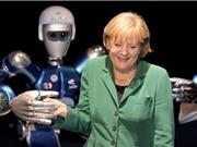 Chùm ảnh sự thân mật giữa chính khách và robot