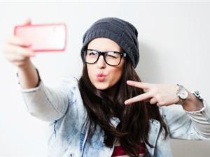 """Hội chứng """"cùi chỏ tự sướng"""" ở người thích selfie"""