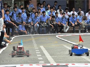"""Sinh viên TP.HCM đua xe """"F1 tự chế"""""""