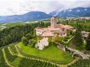 """""""Khám phá"""" lâu đài cổ trị giá 31 triệu euro ở Italia"""