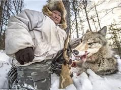"""""""Rợn người"""" trước cảnh săn sói của người Yakutia"""