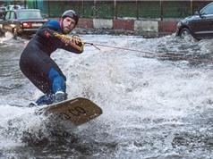 Clip: Đường phố Nga biến thành nơi… lướt sóng lý tưởng