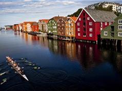 Ngắm những ngôi nhà bằng gỗ đa màu sắc ở Na Uy