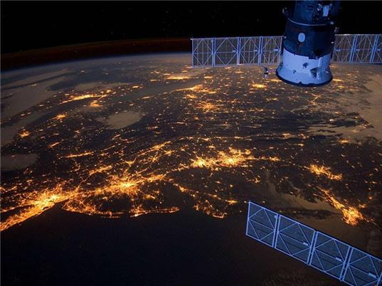 Sử dụng dữ liệu vệ tinh, máy học điều tra giàu, nghèo