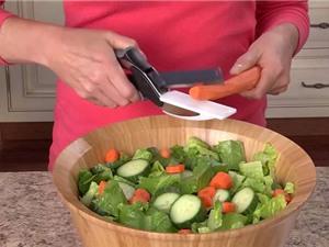 Clip: Chế biến món ăn nhanh, đẹp bằng kéo thông minh Clever Cutter