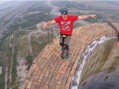 Clip: Ớn lạnh với màn biểu diễn mạo hiểm ở độ cao 256 mét