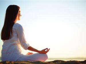 10 tư thế Yoga buổi sáng khởi động cơ thể không gì tuyệt hơn