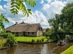 Ngắm khung cảnh thơ mộng của ngôi làng đẹp nhất Hà Lan