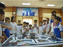 """Hơn 500 """"kỹ sư robot"""" nhí tham gia ngày hội lắp ghép, lập trình robot"""