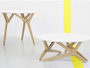"""Clip: Chiếc bàn """"biến hình"""" có thể đổi độ cao trong giây lát"""