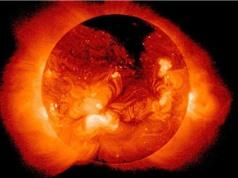 Tại sao vầng hào quang của Mặt Trời lại nóng hơn bề mặt?