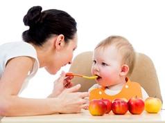 10 thói quen ăn uống bố mẹ nên học để con khỏe mạnh