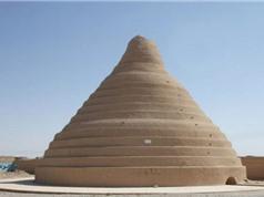 Tủ lạnh 2.400 năm tuổi trữ băng giữa mùa hè nóng bức