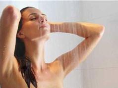 Những lợi ích bất ngờ của việc tắm nước lạnh vào buổi sáng