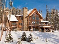 """""""Đột nhập"""" khu trượt tuyết của giới siêu giàu"""