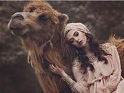 Chùm ảnh ấn tượng về người đẹp và động vật