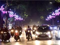 Hà Nội giảm lòe loẹt trong trang trí đường phố