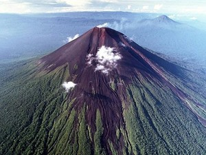 """""""Điểm danh"""" những ngọn núi lửa nguy hiểm nhất thế giới"""