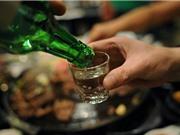 Tại sao có cảm giác đói cồn cào sau khi say rượu?