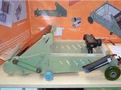 Đồng Nai: Học sinh lớp 9 chế tạo robot quét rác thông minh