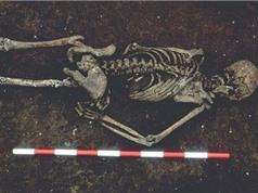 Bộ xương người đàn ông bị mất lưỡi hơn nghìn tuổi ở Anh