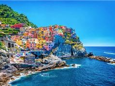 Sự thật đằng sau vẻ long lanh của ngôi làng nổi tiếng nhất Italia