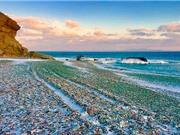 Chiêm ngưỡng bãi biển đầy màu sắc ở vịnh Ussuri