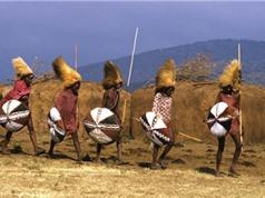 Khám phá cuộc sống của bộ tộc săn sư tử tại châu Phi
