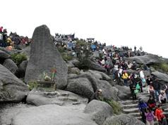 Những hình ảnh ấn tượng về lễ hội Yên Tử
