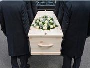 Rợn người chuyện chết đi sống lại trong đám tang