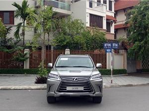 Lexus giảm giá mạnh tại Việt Nam